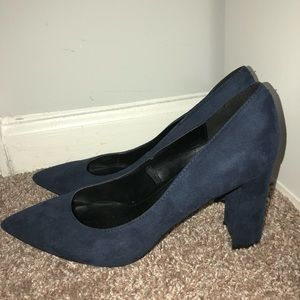 Marc fisher pointed pumps